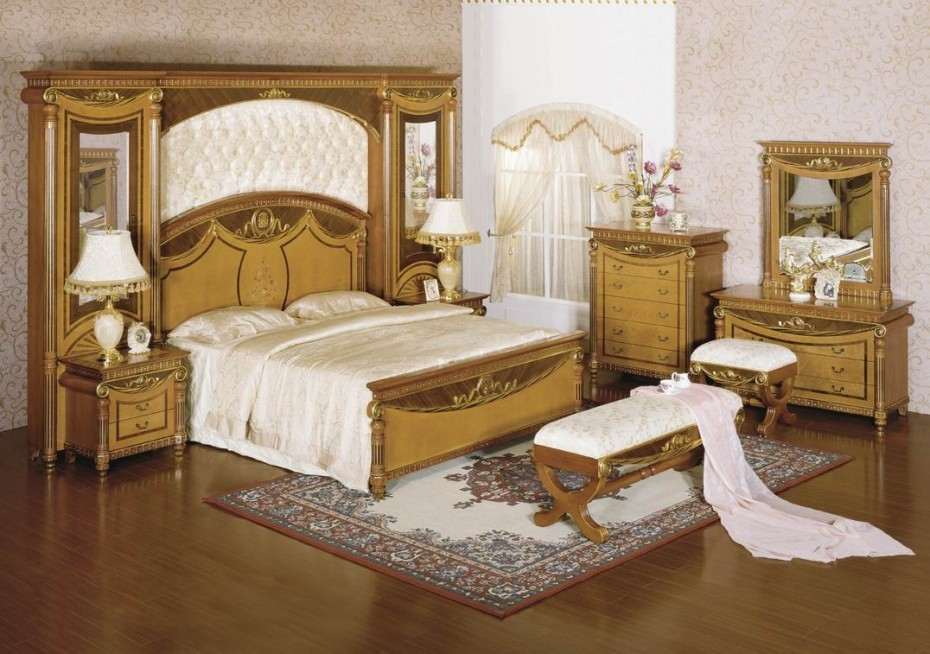 Luxury Canopy Bedroom Sets
