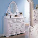 Dresser With Mirror Drawers