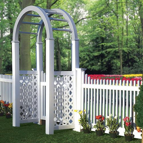 A Beautiful White Vinyl Fence