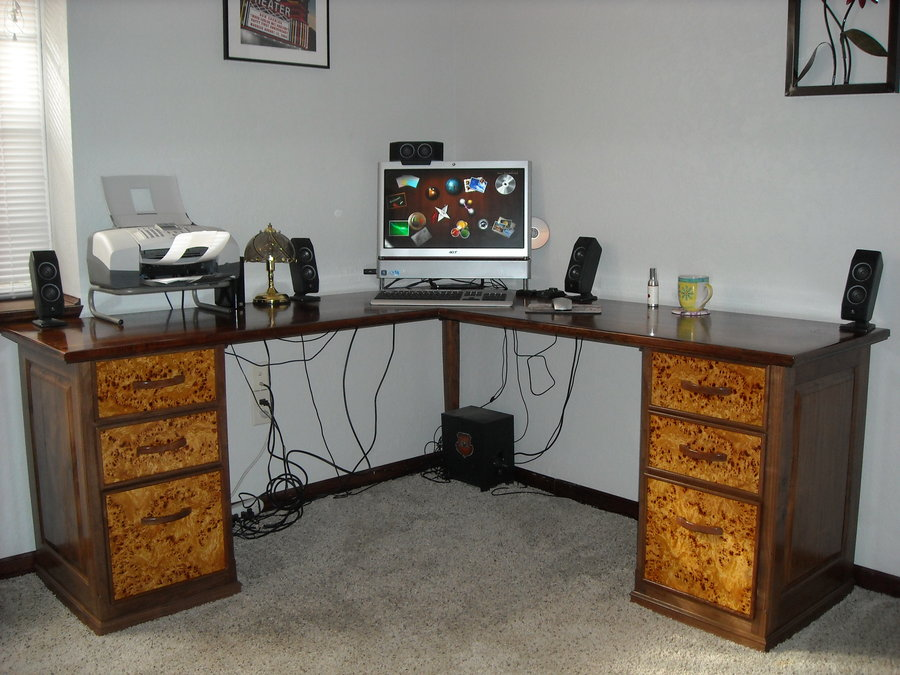 Diy Corner Computer Desk / From: User Submitted