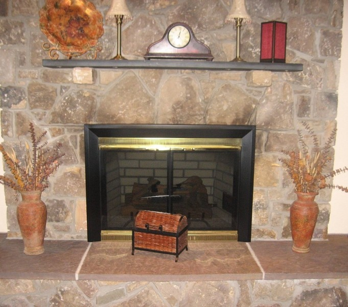 Gas fireplace rocks glass