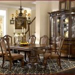 How To Decorate A Formal Dining Room Table
