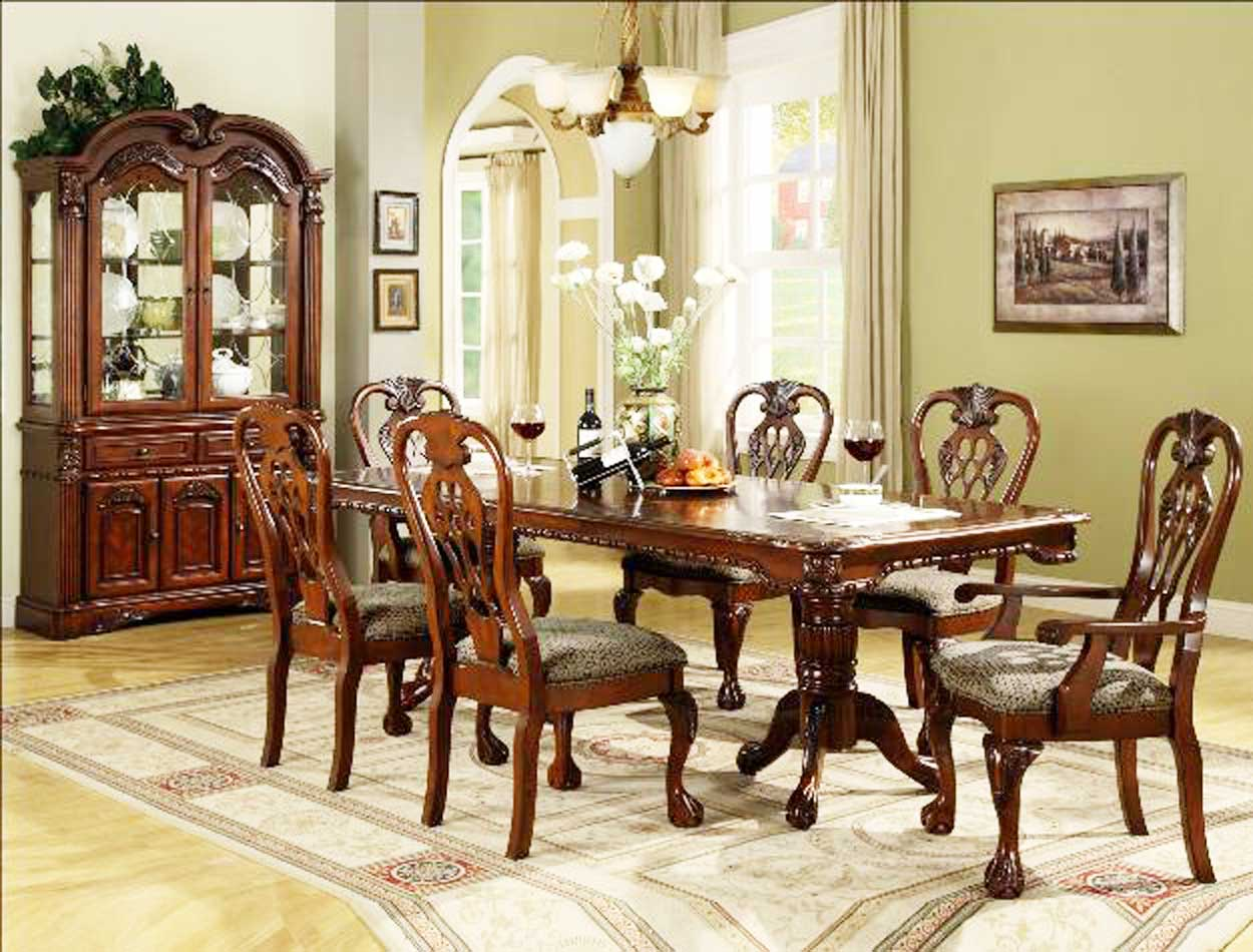 How to set a formal dining room table