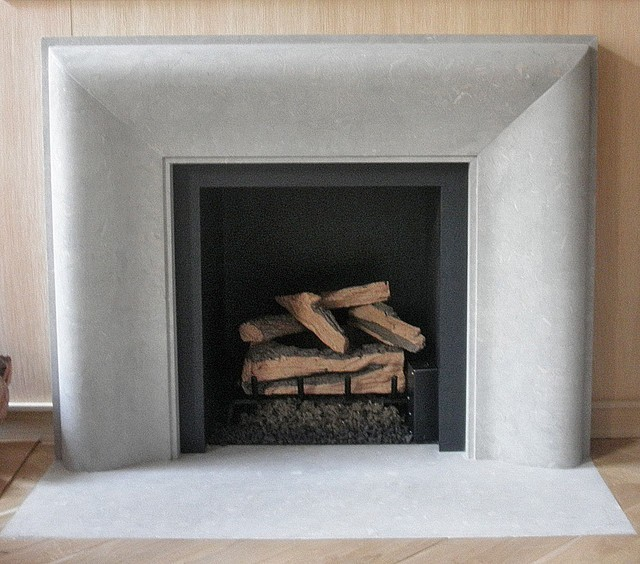 Vent free gas fireplace logs