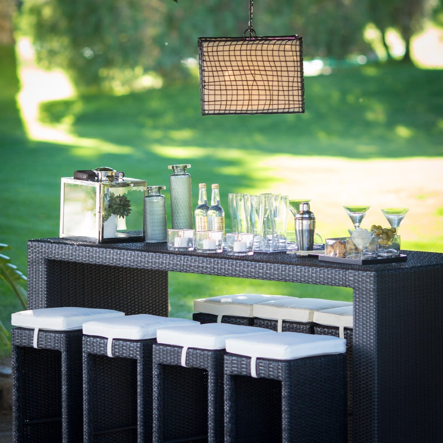 Party-on with a Wicker Bar