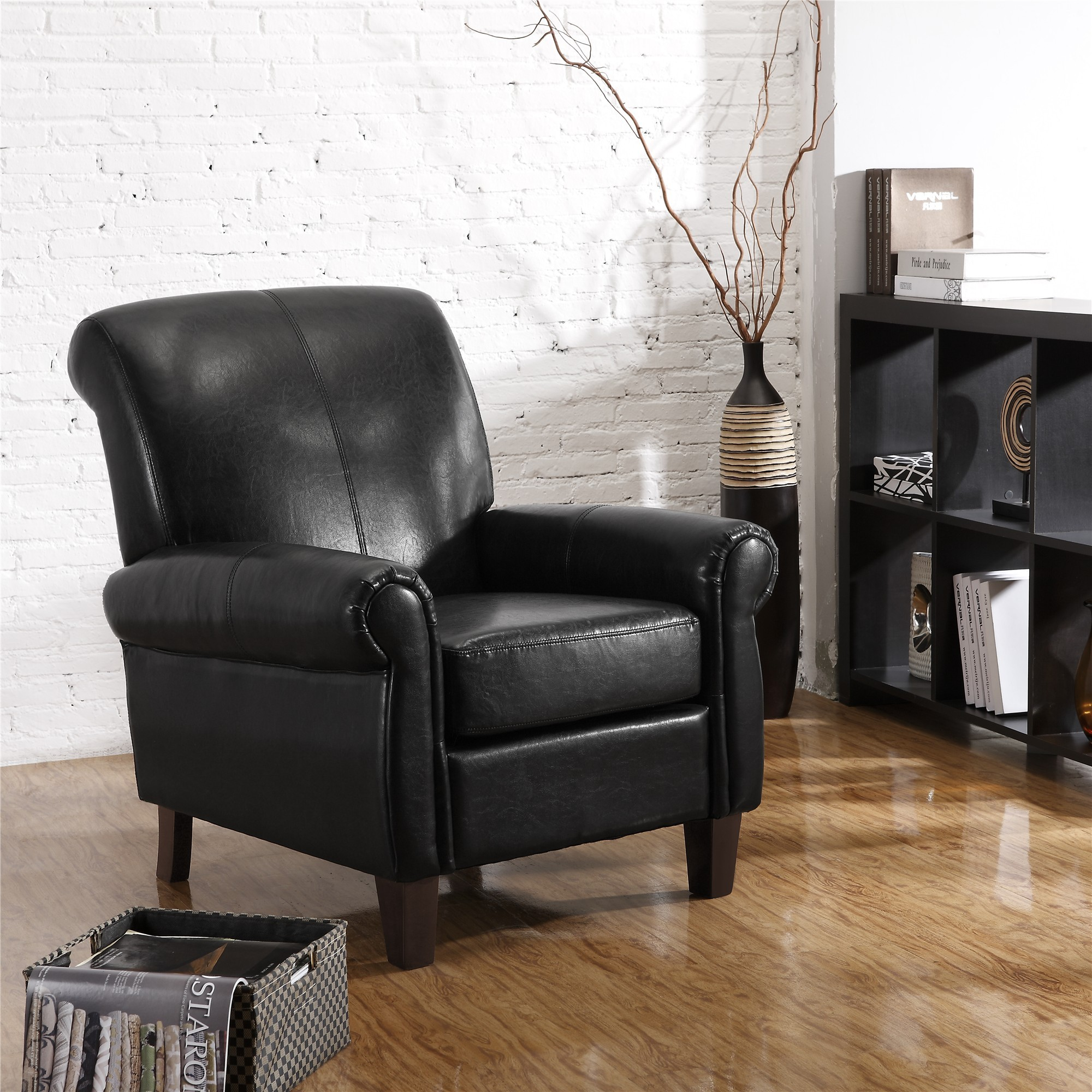 Important Tips for Buying a Leather Club Chair