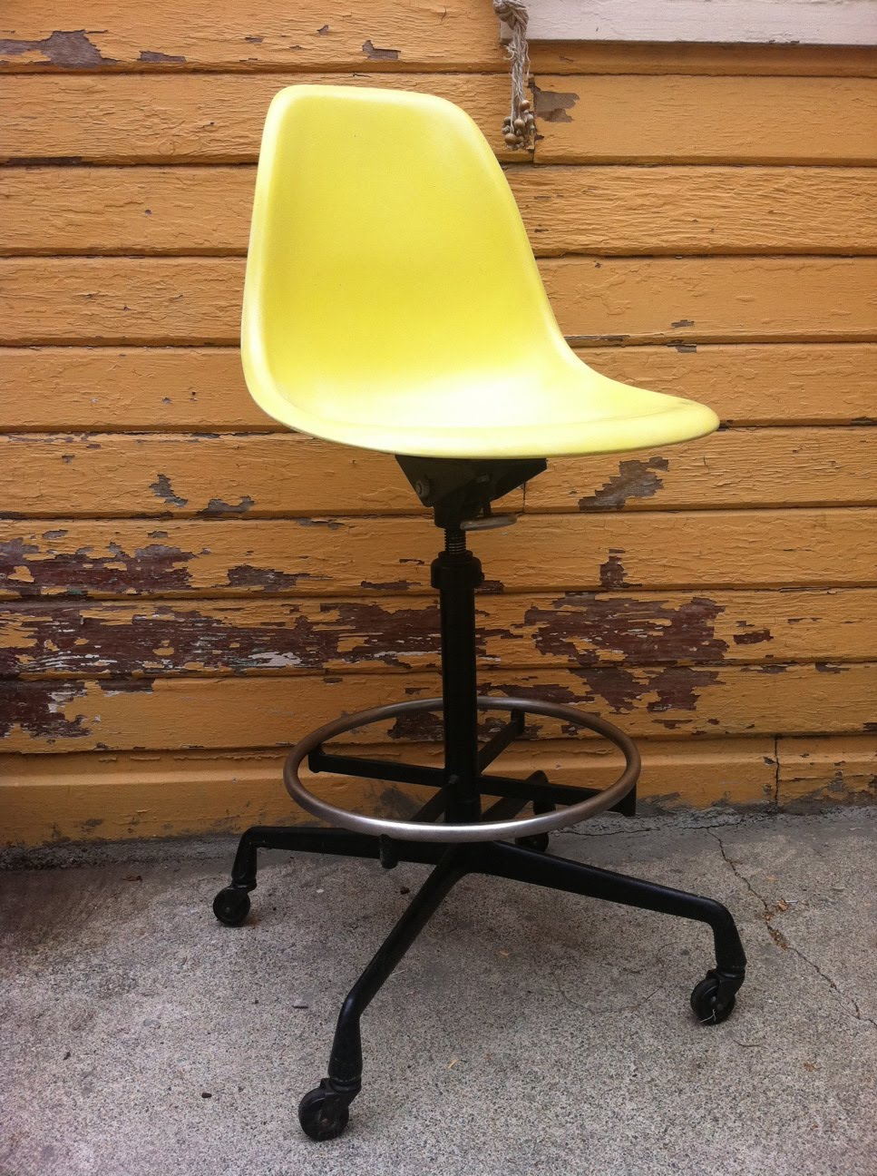 How to Find a Multifunctional Drafting Chair