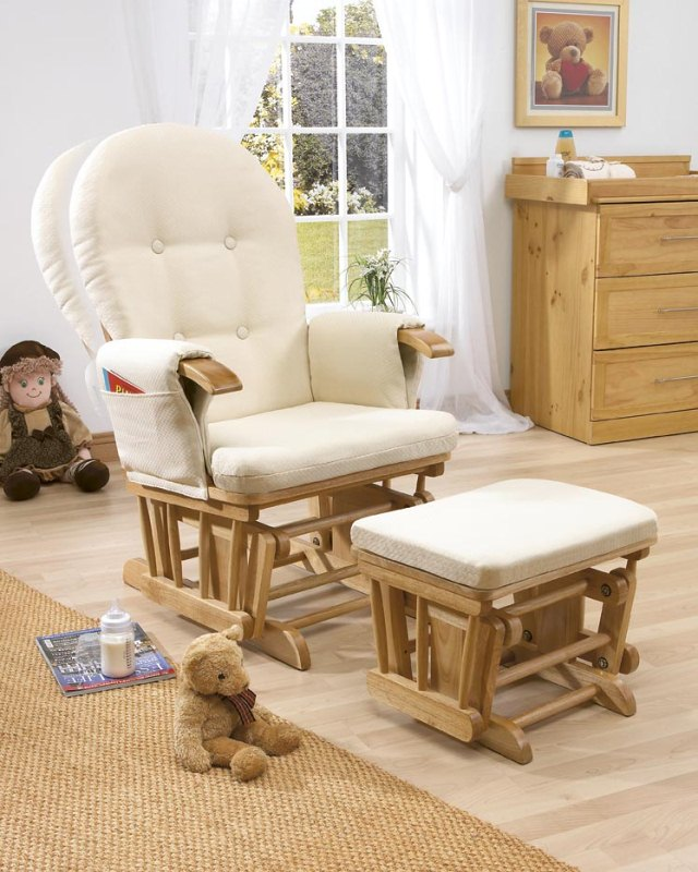 Buying a Glider Rocking Chair for the Nursery