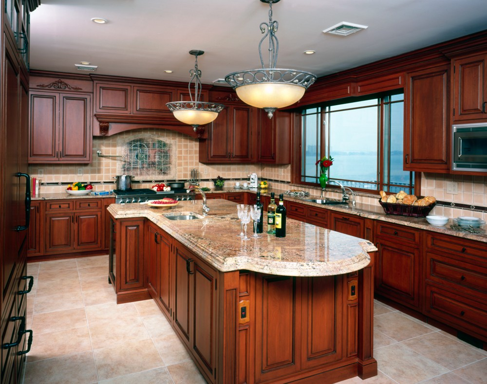 Warm and Classic Cherry Kitchen Cabinets