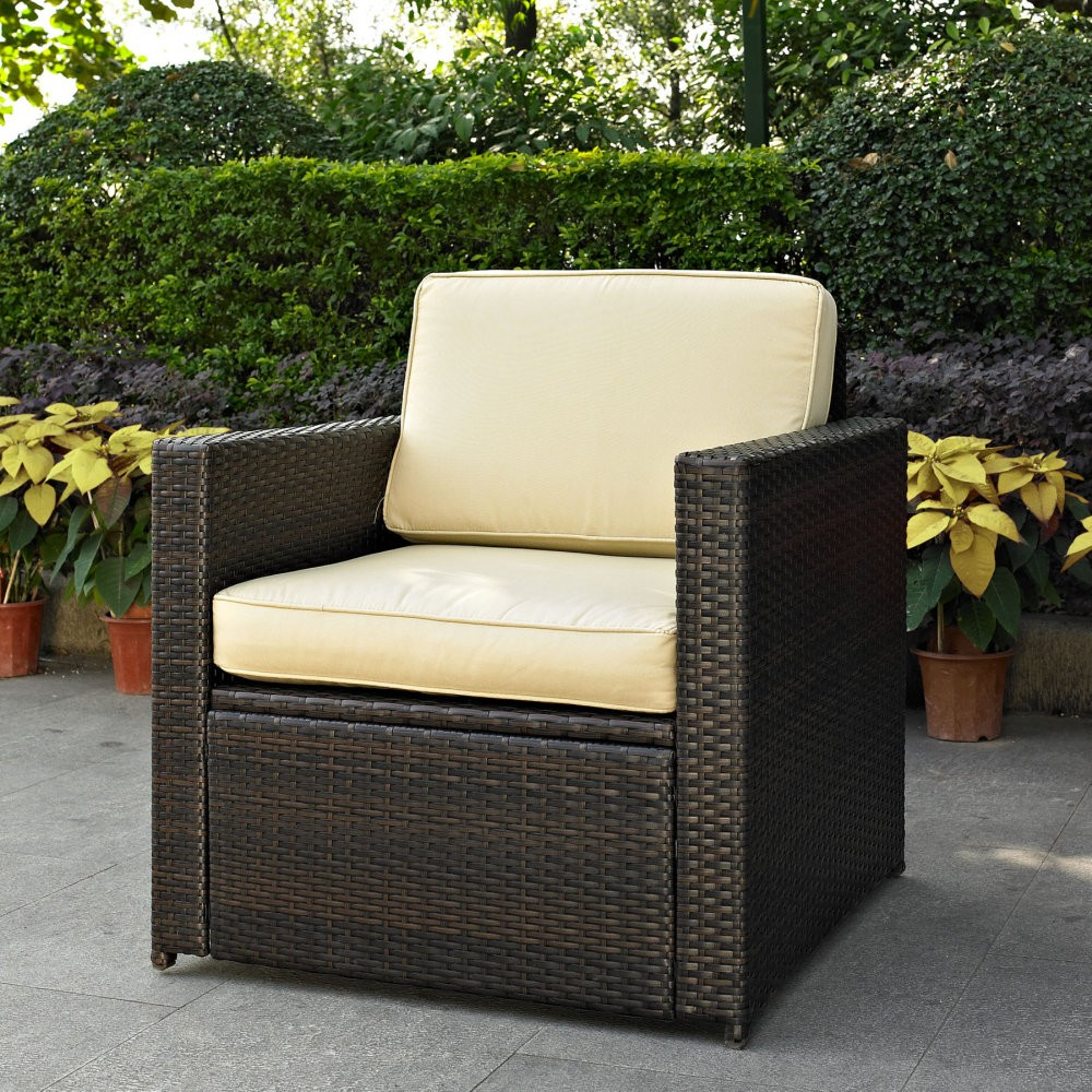 How to Choose an Outdoor Wicker Chair