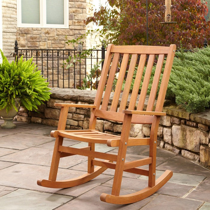 What to Look for in an Outdoor Rocking Chair