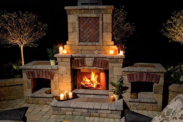 How to build an outdoor brick fireplace
