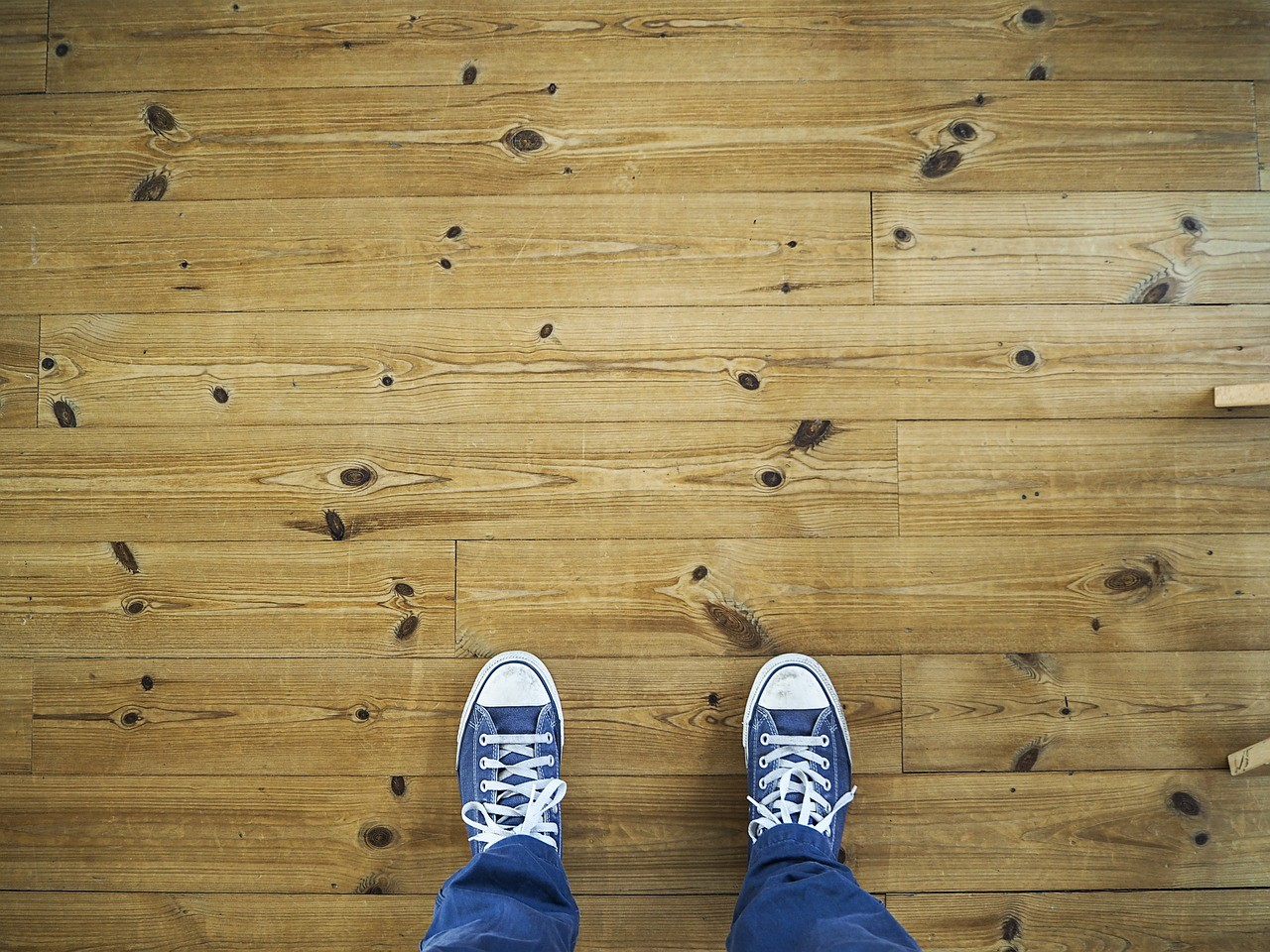 Repairing Scrapes and Scratches on Lowes Laminate Flooring