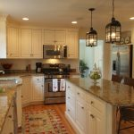 refacing-kitchen-cabinet-doors