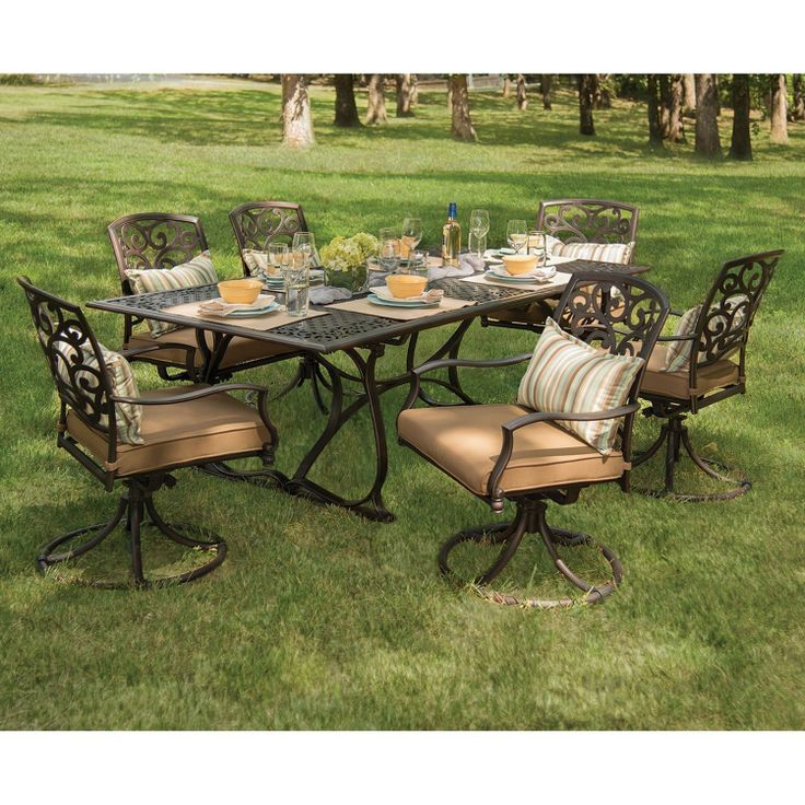 Expandable Outdoor Dining Table