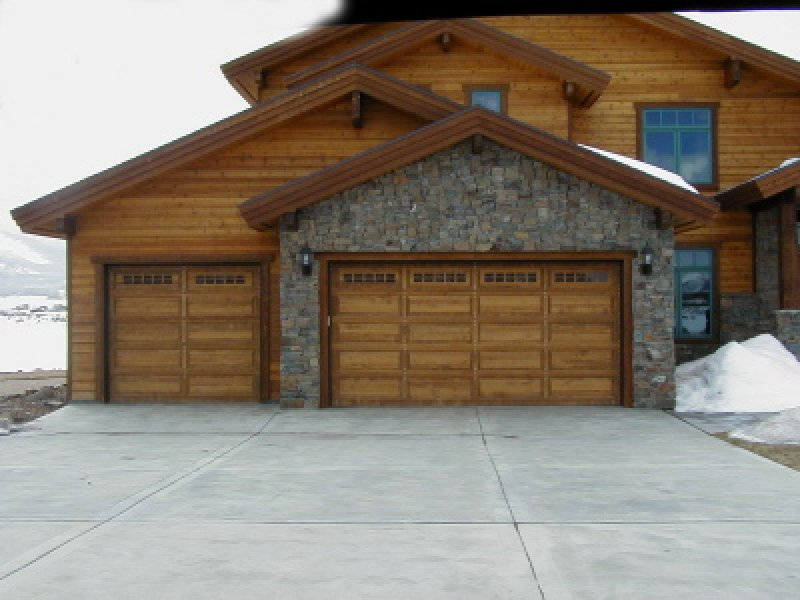 Three Kinds of Wooden Garage Doors