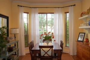 10 Amazing Bay Window Curtains