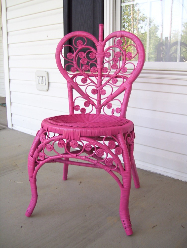 Painted Wicker Furniture Makeover