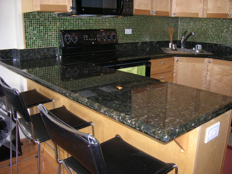 The Pros and Cons of Black Granite Countertops