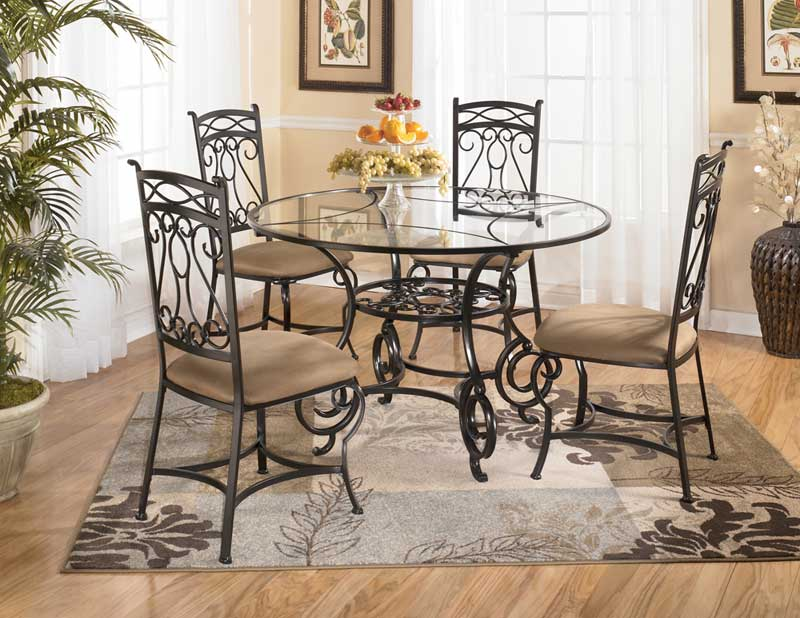 Elegant dining table centerpieces