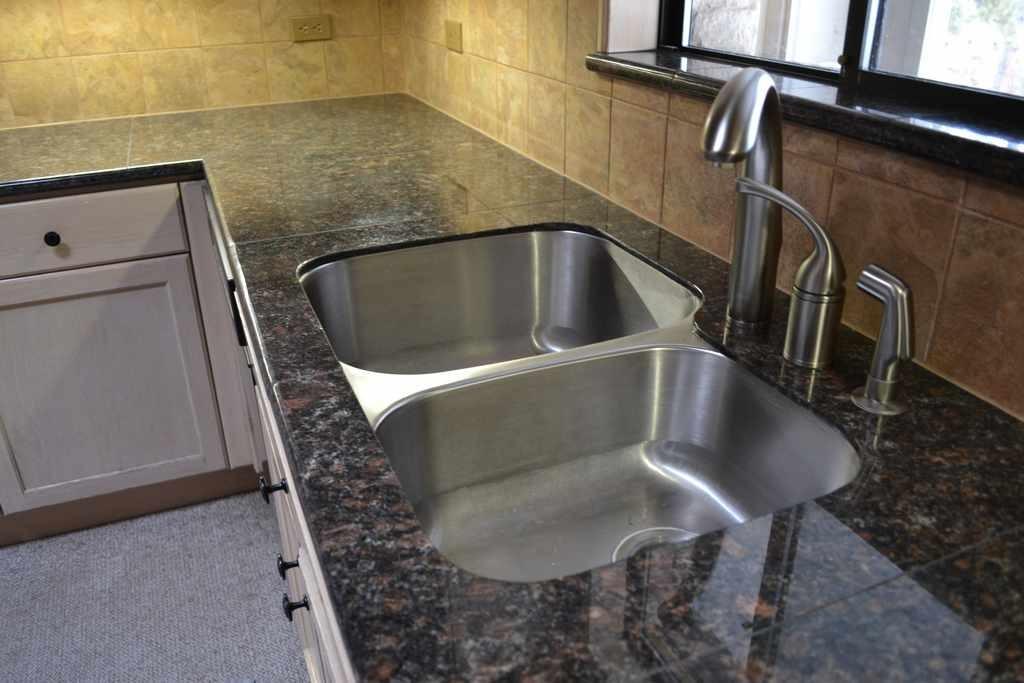 Granite tile countertops kits