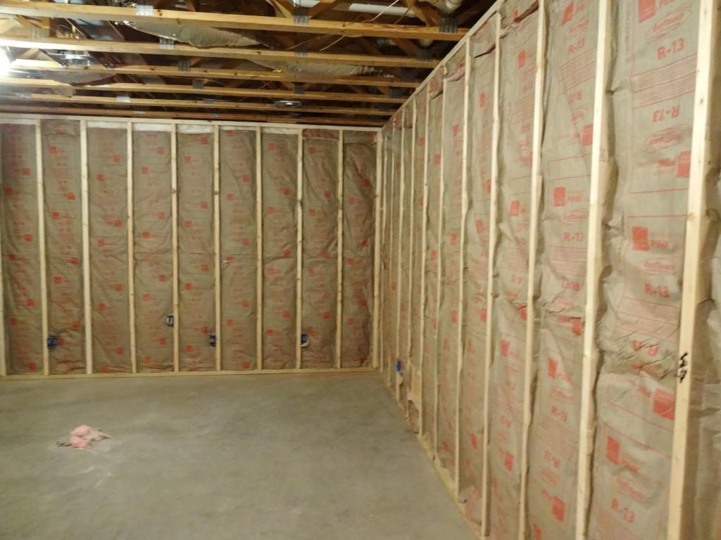 Insulating basement ceiling 1024x768