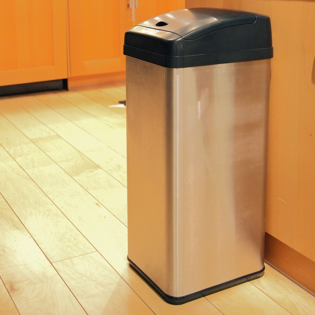 Large kitchen garbage cans 1024x1024