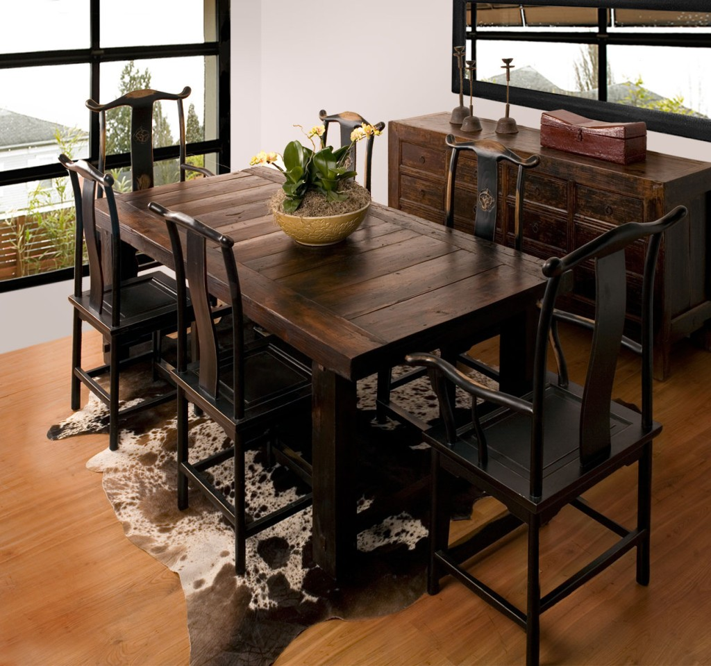 Narrow width dining table