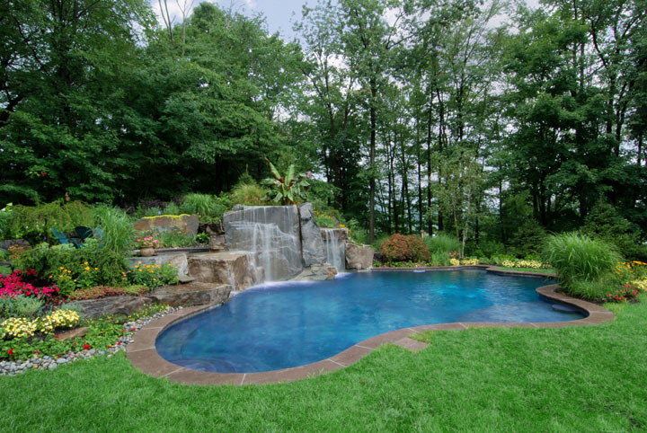 Pool Landscaping Ideas | A Creative Mom