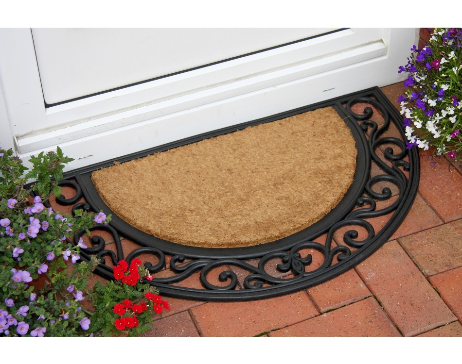 How to Keep Dirt Out of Your House Using a Rubber Door Mat