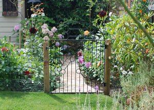 20 Amazing Garden Gate Designs and Photos