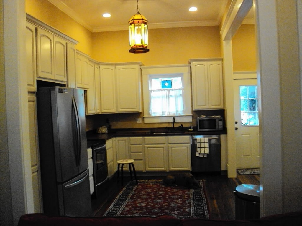 Beautiful And Livable Thomasville Kitchen Cabinets A Creative Mom