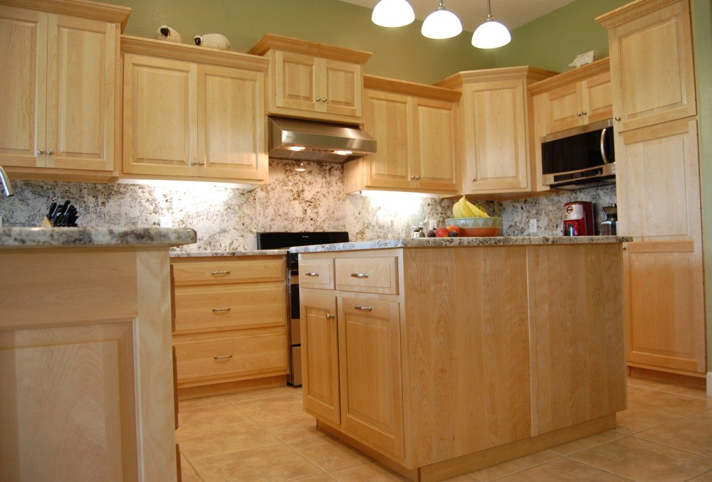 Tips maple kitchen cabinets