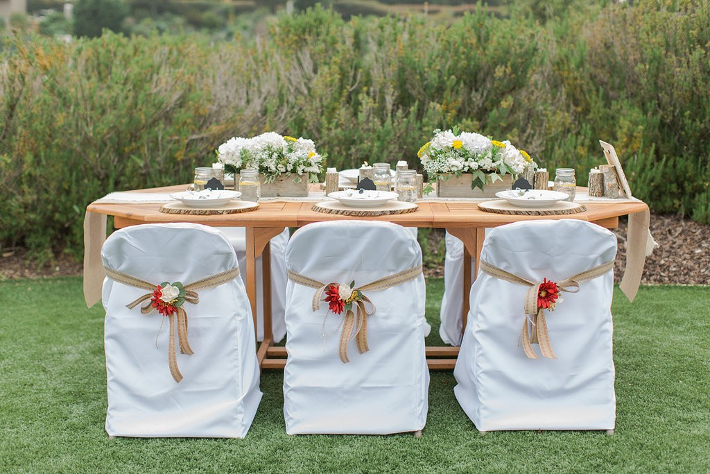 Which Type of Folding Chair Covers Should You Buy?