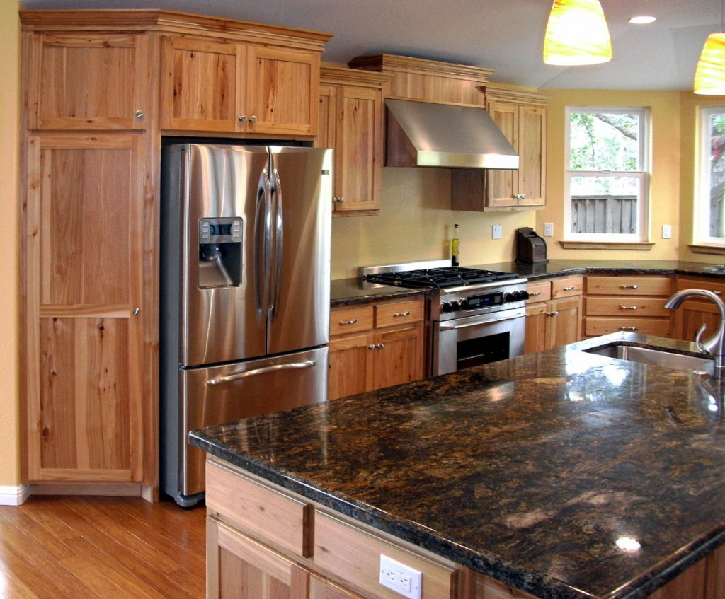 The Striking Visual Texture of Hickory Kitchen Cabinets