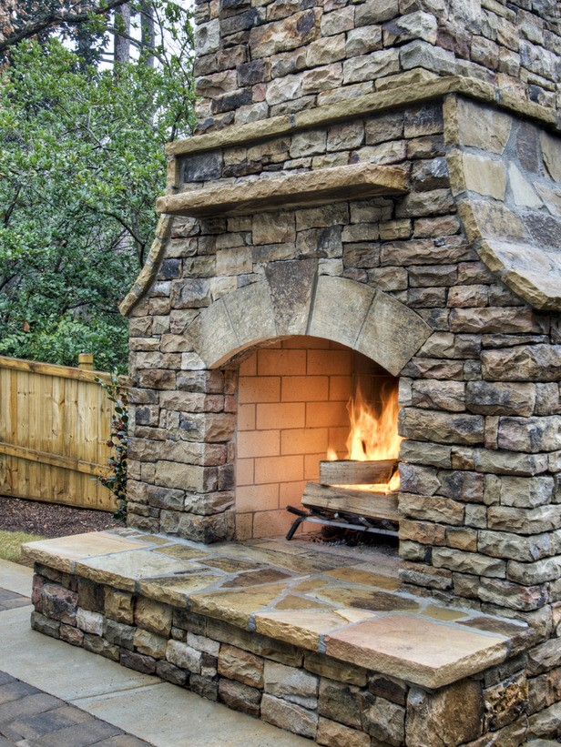 10 Great Ideas for an Outdoor Brick Fireplace