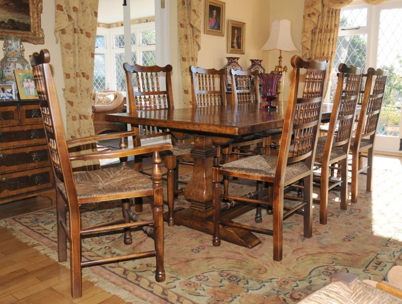 Farmhouse Kitchen Tables And Chairs