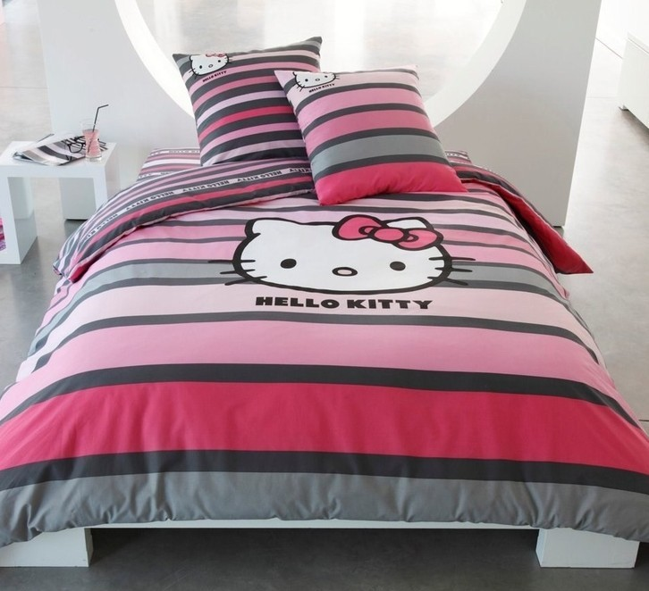 25 Cute Hello Kitty Home Decor Ideas and Photos