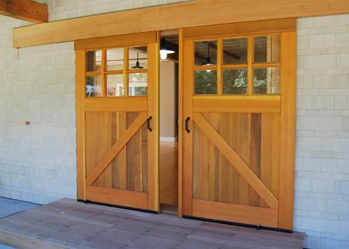 Sliding barn doors hardware