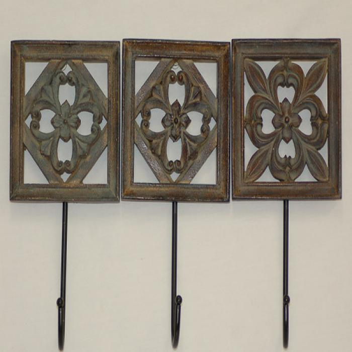 decorative-wall-hooks-and-knobs