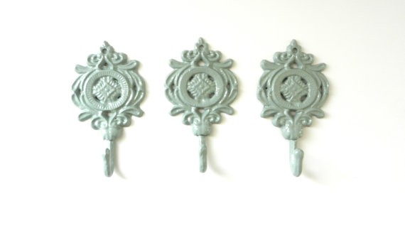 decorative-wall-hooks-for-lanterns