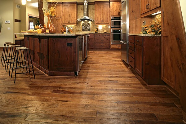 Hickory Wood Floors Versus Bamboo Floors
