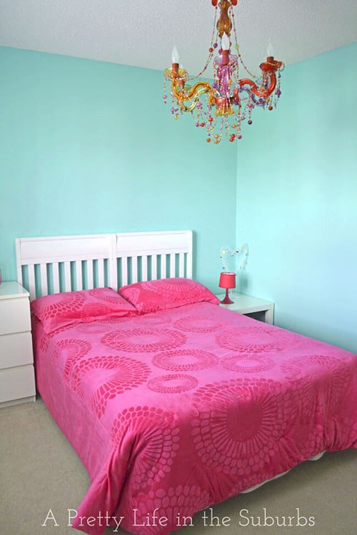 light pink and turquoise room