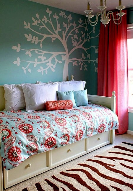 turquoise wall bedroom ideas